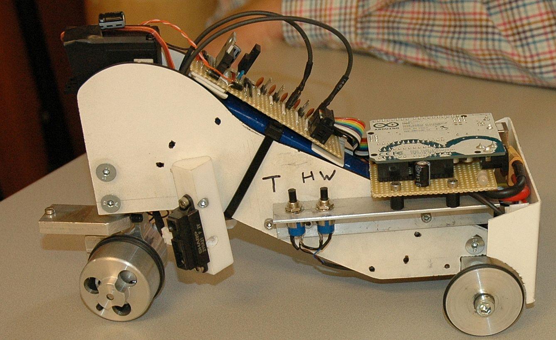 2015Robot843